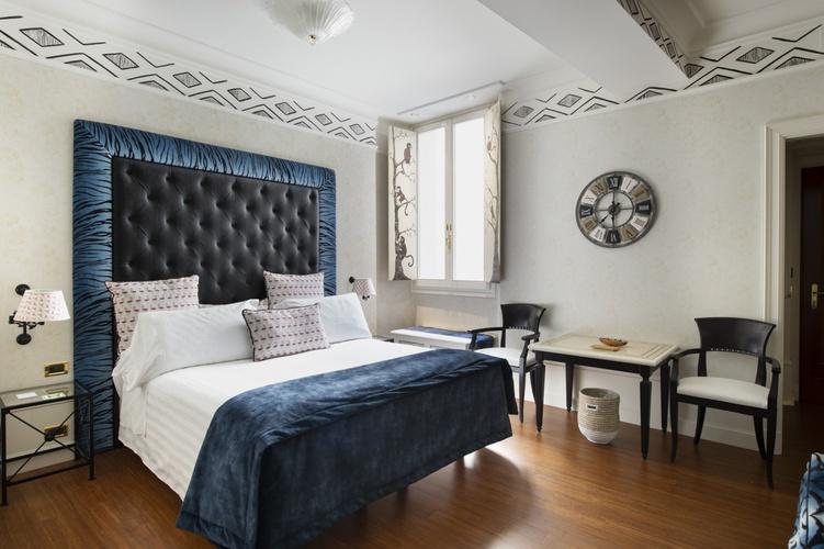 Room  art hotel orologio bologna