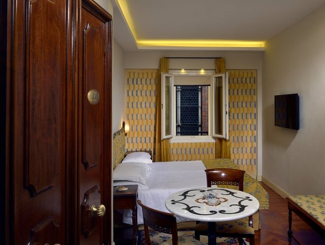 Single room art hotel commercianti bologna