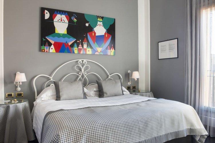 Room Art Hotel Orologio Bologna, Italy