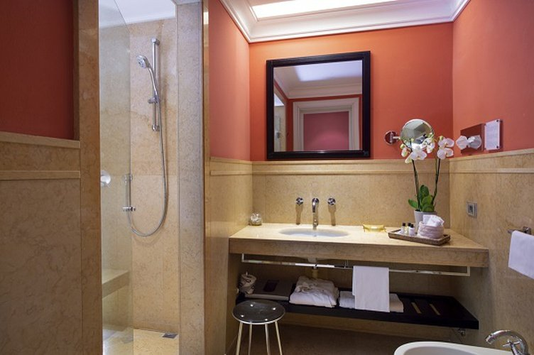 Bathroom  Art Hotel Novecento Bologna, Italy