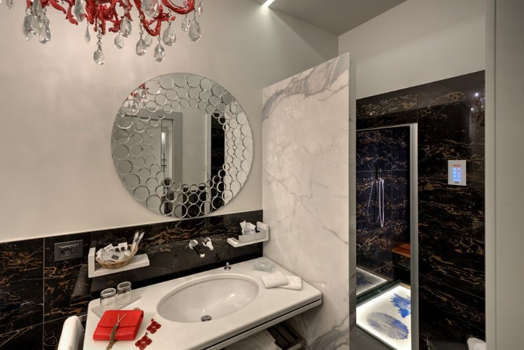 LUXURY APARTMENTS Art Hotel Commercianti Bologna, Italy