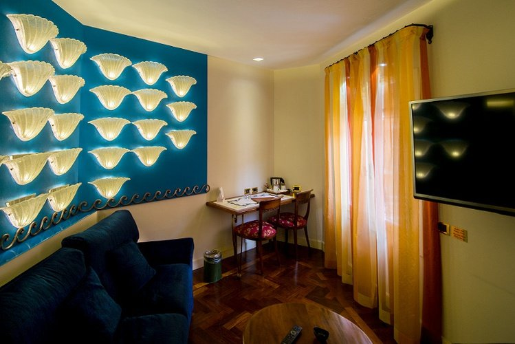 JUNIOR SUITE Art Hotel Commercianti Bologna, Italy