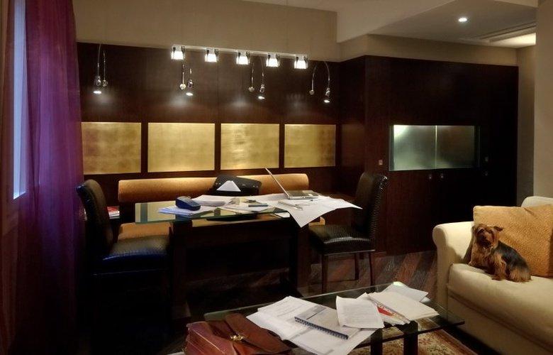 Art studio apartment art hotel commercianti bologna