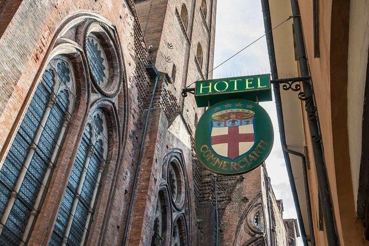 Outdoors art hotel commercianti bologna