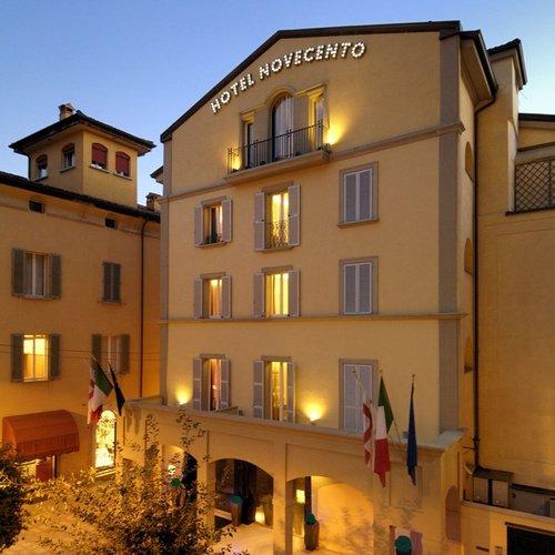 Facade  Art Hotel Novecento Bologna, Italy