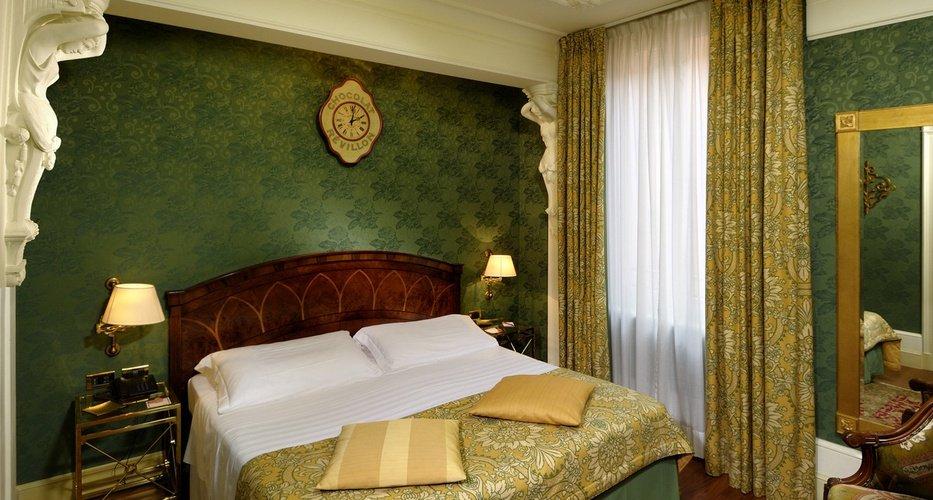 Classic room Art Hotel Orologio Bologna, Italy