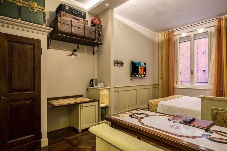 Standard room art hotel commercianti bologna