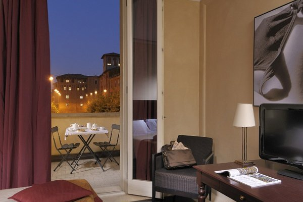 DELUXE DOUBLE ROOM  Art Hotel Novecento in Bologna, Italy