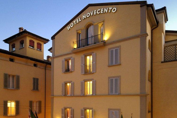 Facade  art hotel novecento bologna