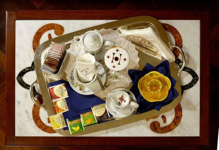 Breakfast art hotel commercianti bologna