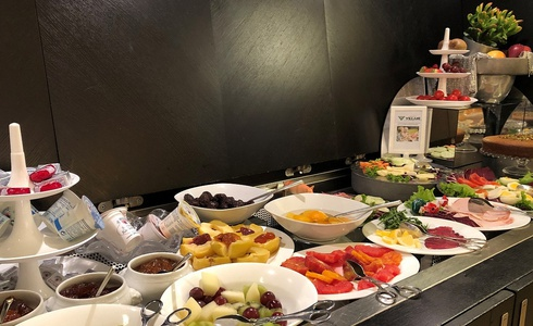 BREAKFAST INCLUDED FROM 7:00 TO 11:00 A. M.  Art Hotel Novecento in Bologna
