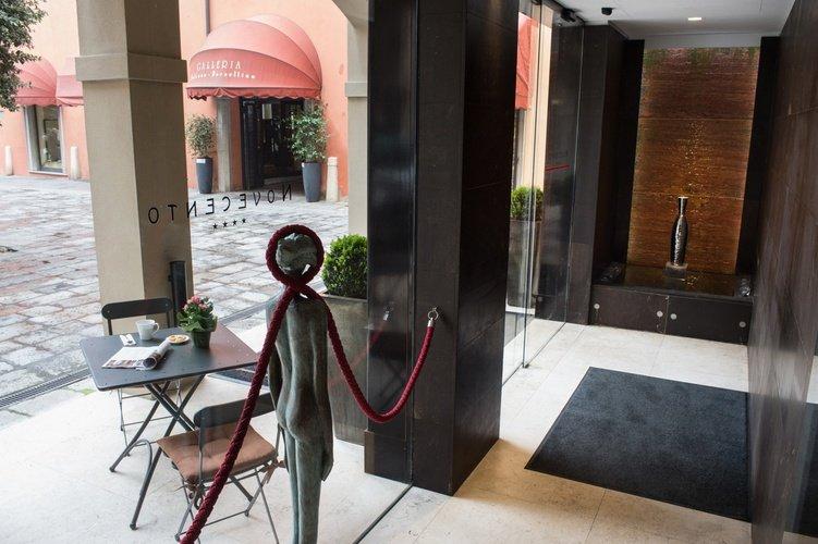 Entry  Art Hotel Novecento Bologna, Italy